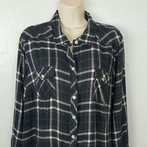 Torrid top blouse long sleeve check button up